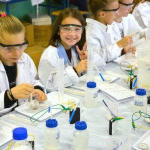 warsztaty szkoly podstawowe chemiczne eksperymenty smartlab 4 1 300x300